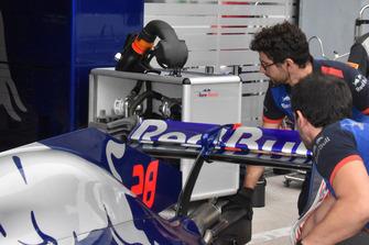 Toro Rosso achtervleugel detail