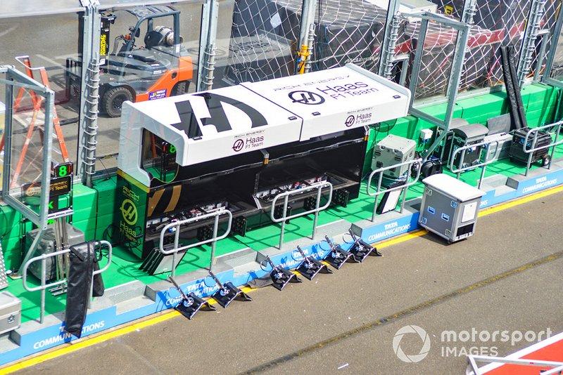 Muretto box Haas F1 Team