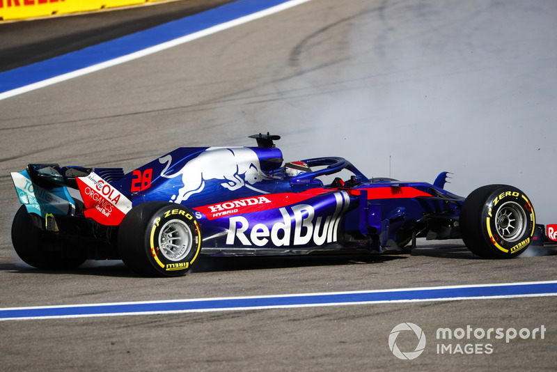 Brendon Hartley, Toro Rosso STR13 hace un trompo