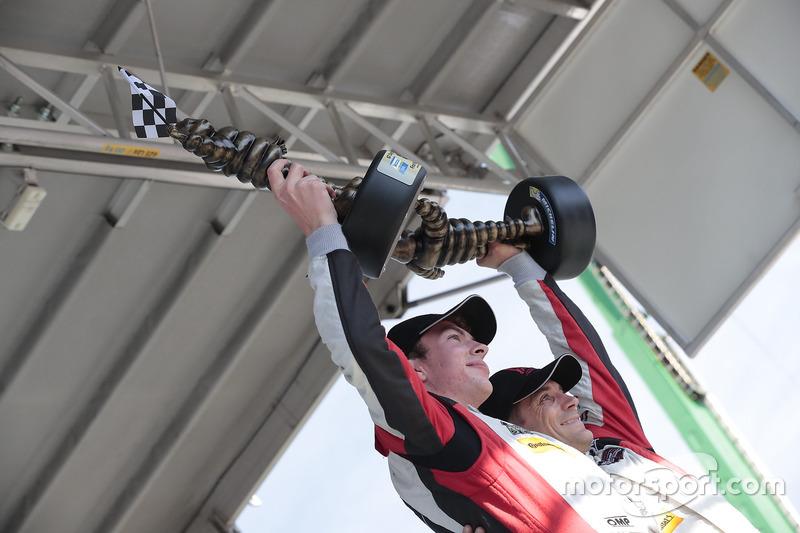 GTD Podyum: 1. Madison Snow, Bryan Sellers, Paul Miller Racing