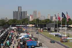 Paddock and Detroit atmosphere