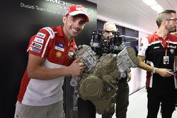 Michele Pirro, Ducati Team, lors de la présentation du moteur Ducati V4 de route