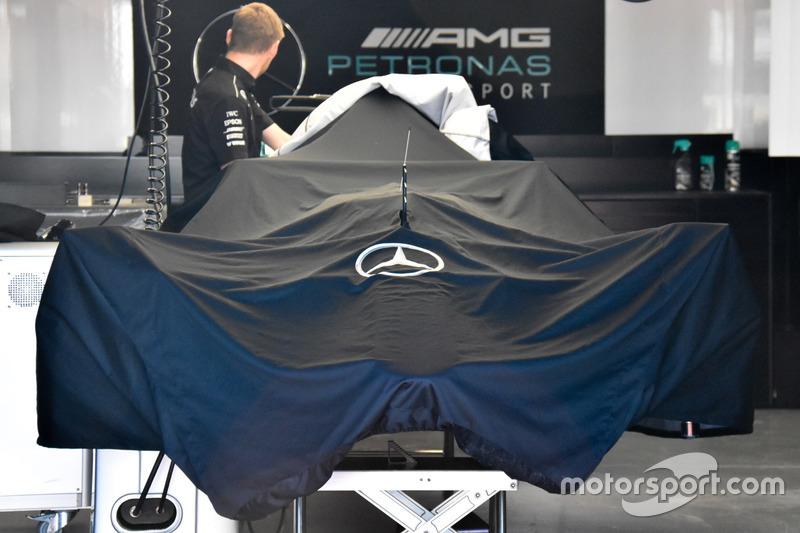 Накритий Mercedes AMG F1 W08