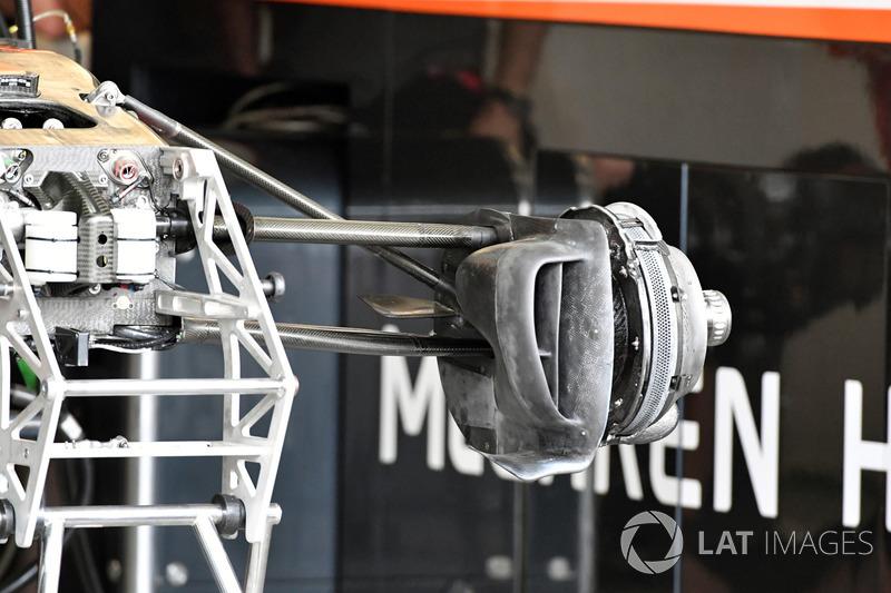 McLaren MCL32: Vorderrad-Aufhängung