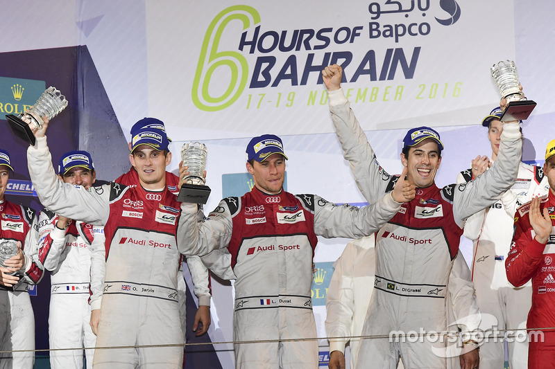 LMP1 Podio: ganadores de la carrera #8 Audi Sport Team Joest Audi R18: Lucas di Grassi, Loic Duval, Oliver Jarvis