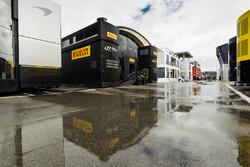 Гостевая зона Pirelli в паддоке
