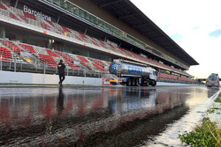 Wet track preparation