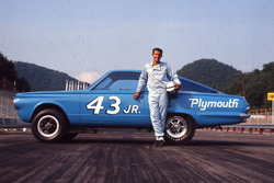 Richard Petty with the second 43 JR. Hemi Barracuda.