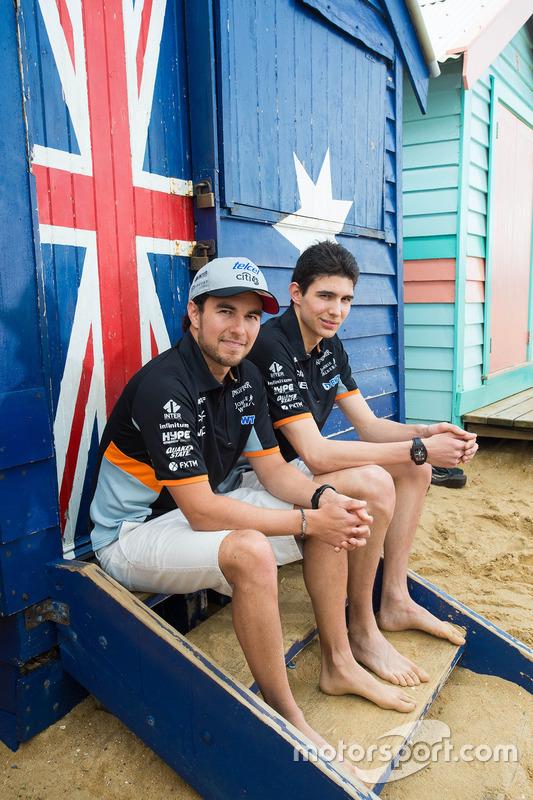 Esteban Ocon, Sergio Pérez, Sahara Force India F1 Team en la playa Brighton