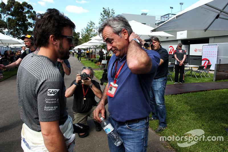 Fernando Alonso, McLaren, mit Carlos Sainz