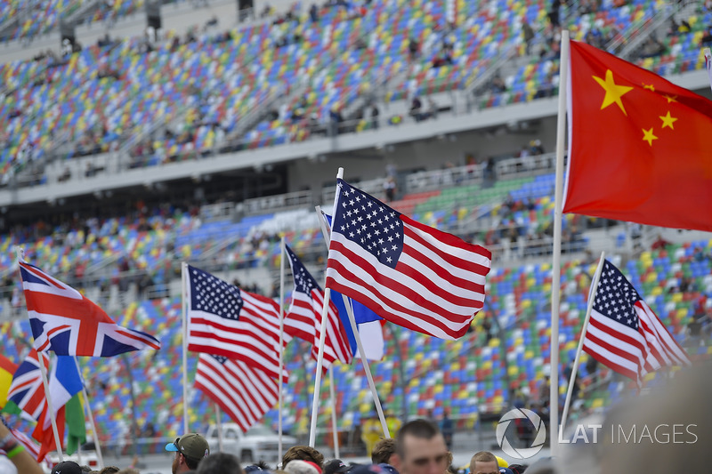 Pre-grid color and flags