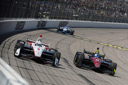 Josef Newgarden, Team Penske Chevrolet, Robert Wickens, Schmidt Peterson Motorsports Honda