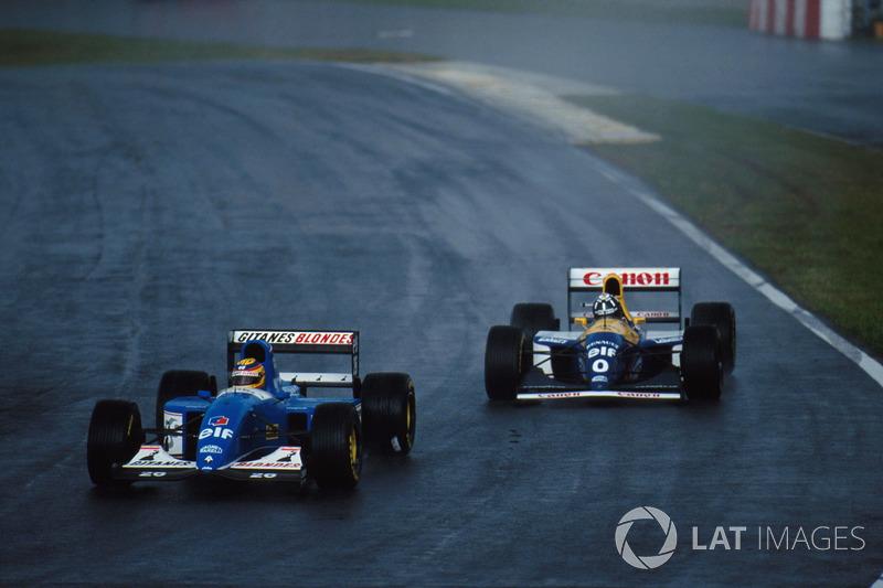Mark Blundell, Ligier JS39 y Damon Hill, Williams FW 15C