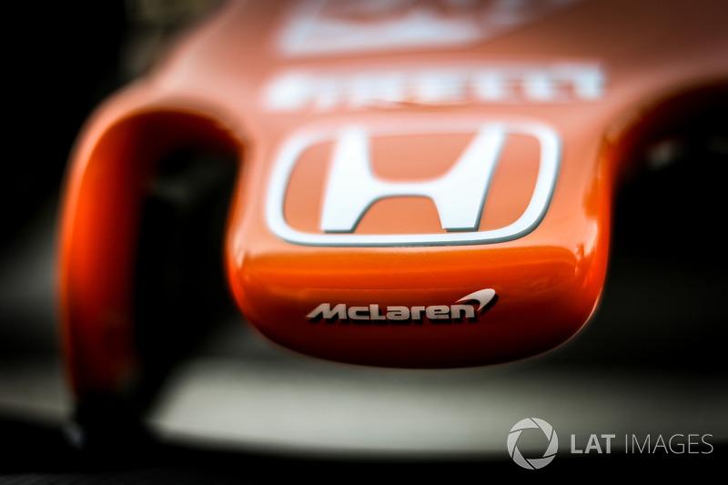 Detalle de la nariz de McLaren MCL32