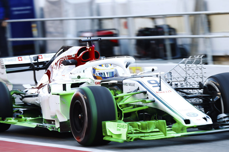 Sauber C37 with flo-viz paint