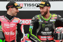 Le poleman Tom Sykes, Kawasaki Racing, le deuxième, Eugene Laverty, Milwaukee Aprilia
