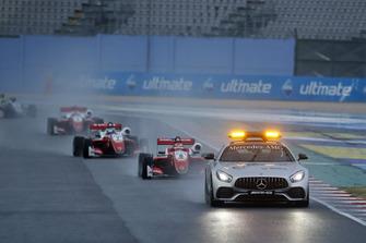 Safety Car, Marcus Armstrong, PREMA Theodore Racing Dallara F317 - Mercedes-Benz. Ralf Aron, PREMA Theodore Racing Dallara F317 - Mercedes-Benz