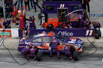 Denny Hamlin, Joe Gibbs Racing, Toyota Camry FedEx Office, pit stop