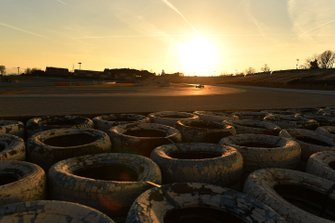 La piste au coucher du soleil