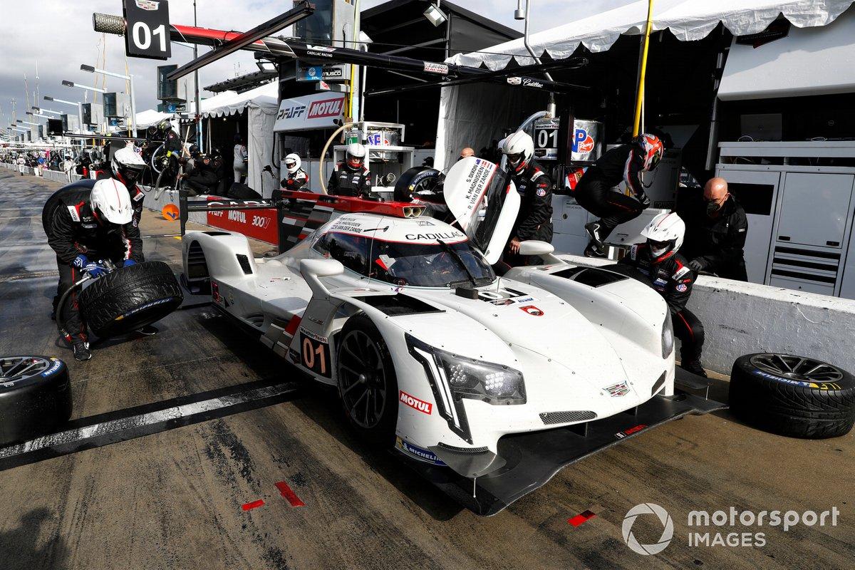 #01 Chip Ganassi Racing Cadillac DPi-V.R of Kevin Magnussen, Renger van der Zande, Scott Dixon.
