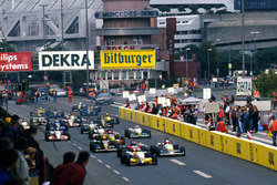 Jos Verstappen, Opel Team WTS Dallara 393-Opel leads the field at the start of the race