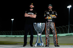 NASCAR Cup-Champion 2017: Martin Truex Jr., Furniture Row Racing Toyota, mit Crewchief Cole Pearn