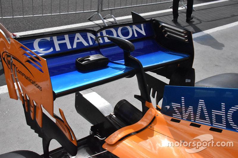 McLaren MCL33 rear wing detail