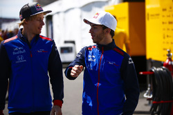 Brendon Hartley, Toro Rosso, with Pierre Gasly, Toro Rosso