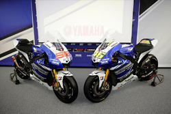 Bikes von Jorge Lorenzo, Yamaha M1, und Valentino Rossi, Yamaha M1