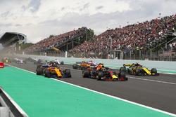 Max Verstappen, Red Bull Racing RB14, Fernando Alonso, McLaren MCL33 and Carlos Sainz Jr., Renault Sport F1 Team R.S. 18