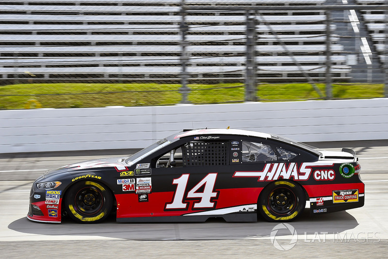 Clint Bowyer Stewart Haas Racing Ford At Martinsville Ii