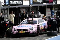 Boxenstopp: Edoardo Mortara, Mercedes-AMG Team HWA, Mercedes-AMG C63 DTM