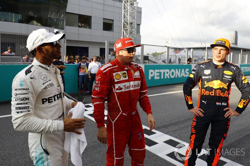 O trio falou para o público presente no autódromo logo após a sessão.