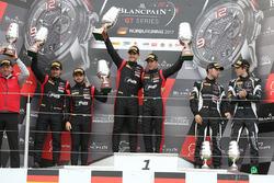 Podium: racewinnaars Stuart Leonard, Robin Frijns, tweede plaats Markus Winkelhock, Will Stevens, derde plaats Andrea Caldarelli, Ezequiel Perez Companc
