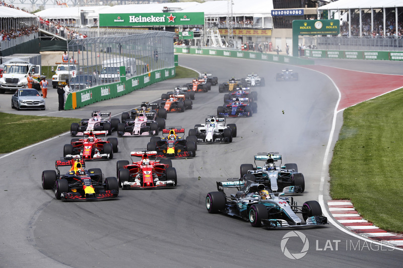 Start: Lewis Hamilton, Mercedes AMG F1 W08, Max Verstappen, Red Bull Racing RB13, Sebastian Vettel,