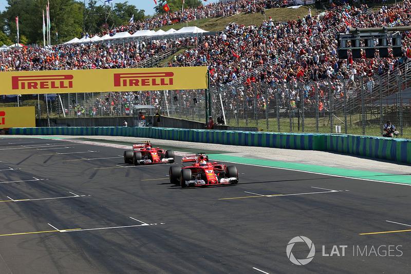 володар поул-позиції Себастьян Феттель, Ferrari SF70-H, друге місце Кімі Райкконен, Ferrari SF70-H