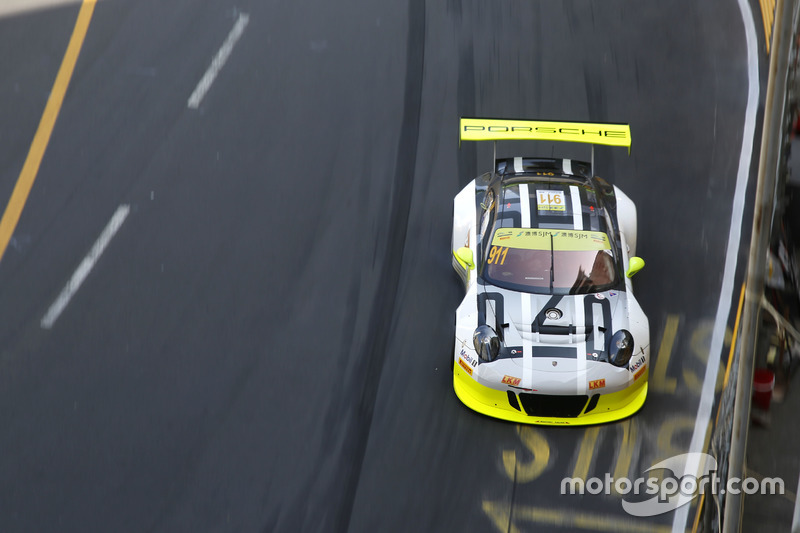 4. Earl Bamber, Manthey Racing Porsche 911 GT3-R