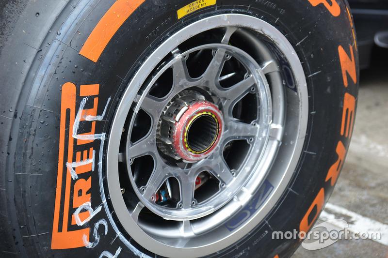 Pirelli dettaglio gomma