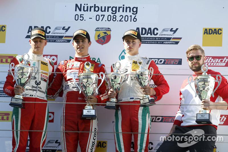 Podio: il vincitore Thomas Preining, Lechner Racing ; 2. Mick Schumacher, Prema Powerteam; Juri Vips