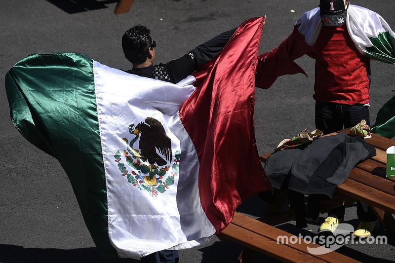 المُشجعين وعلم المكسيك