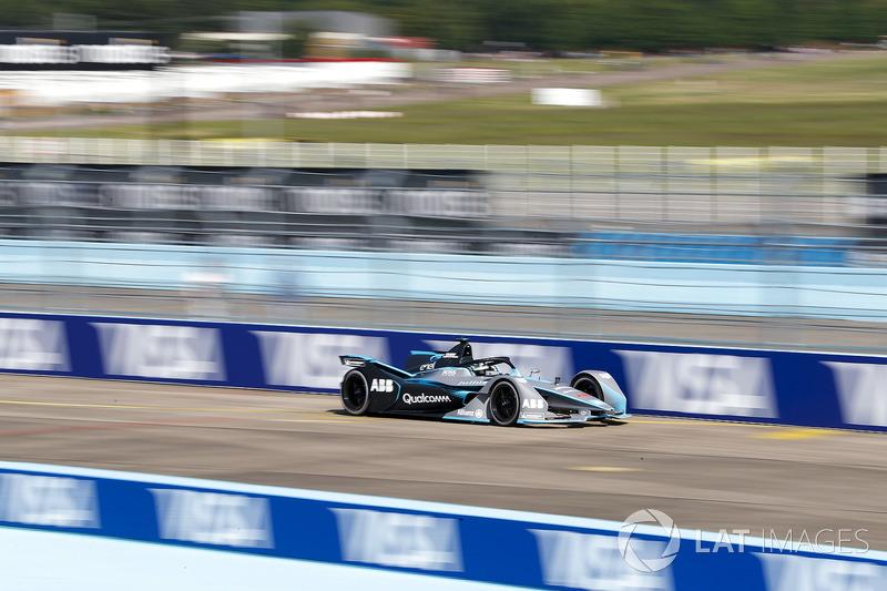 Nico Rosberg, champion du monde de Formule 1 et investisseur en Formule E pilote la monoplace de Formule E