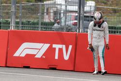 Lewis Hamilton, Mercedes-AMG F1 W09 s'arrête en piste