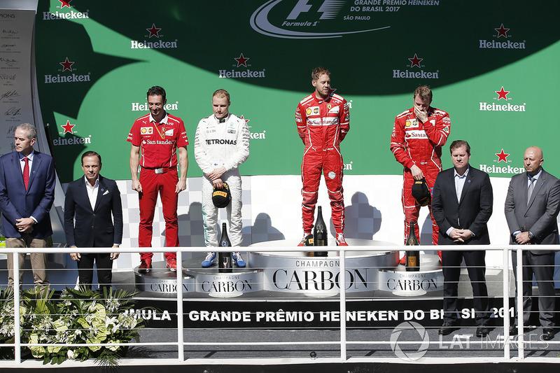 Podio: Ganador de la carrera Sebastian Vettel, Ferrari, segundo lugar Valtteri Bottas, Mercedes AMG F1, tercer lugar Kimi Raikkonen, Ferrari