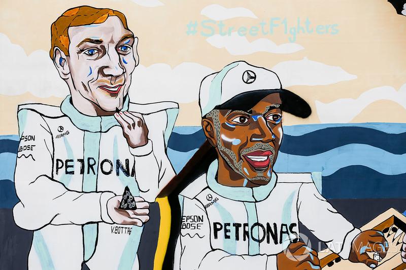 Resim, Valtteri Bottas, Mercedes AMG F1, Lewis Hamilton, Mercedes AMG F1