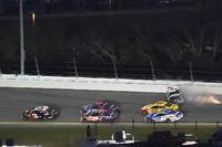 Crash: Aric Almirola, Stewart-Haas Racing Ford Fusion