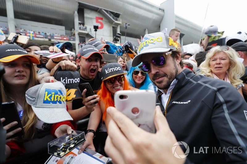 Fernando Alonso, McLaren, fans