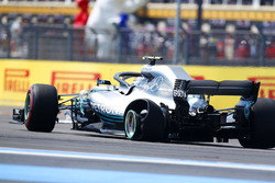 Temporada 2018 F1-french-gp-2018-valtteri-bottas-mercedes-amg-f1-w09-with-a-puncture