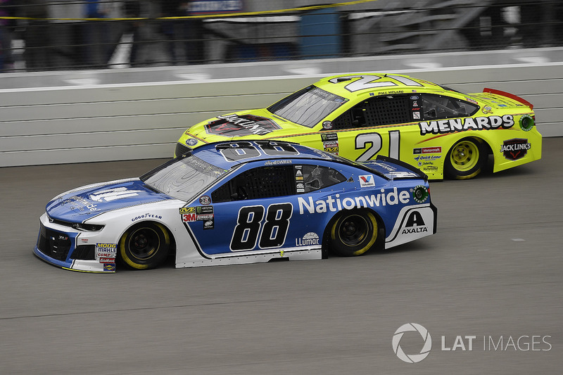 Alex Bowman, Hendrick Motorsports, Chevrolet Camaro Nationwide e Paul Menard, Wood Brothers Racing