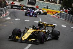 Карлос Сайнс, Renault Sport F1 Team RS18, Брендон Хартли, Scuderia Toro Rosso STR13, и Шарль Леклер, Alfa Romeo Sauber C37