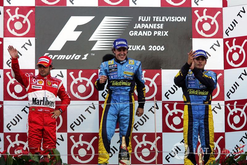 Podio: segundo lugar Felipe Massa, Ferrari, ganador de la carrera Fernando Alonso, Renault y el tercer lugar Giancarlo Fisichella, Renault